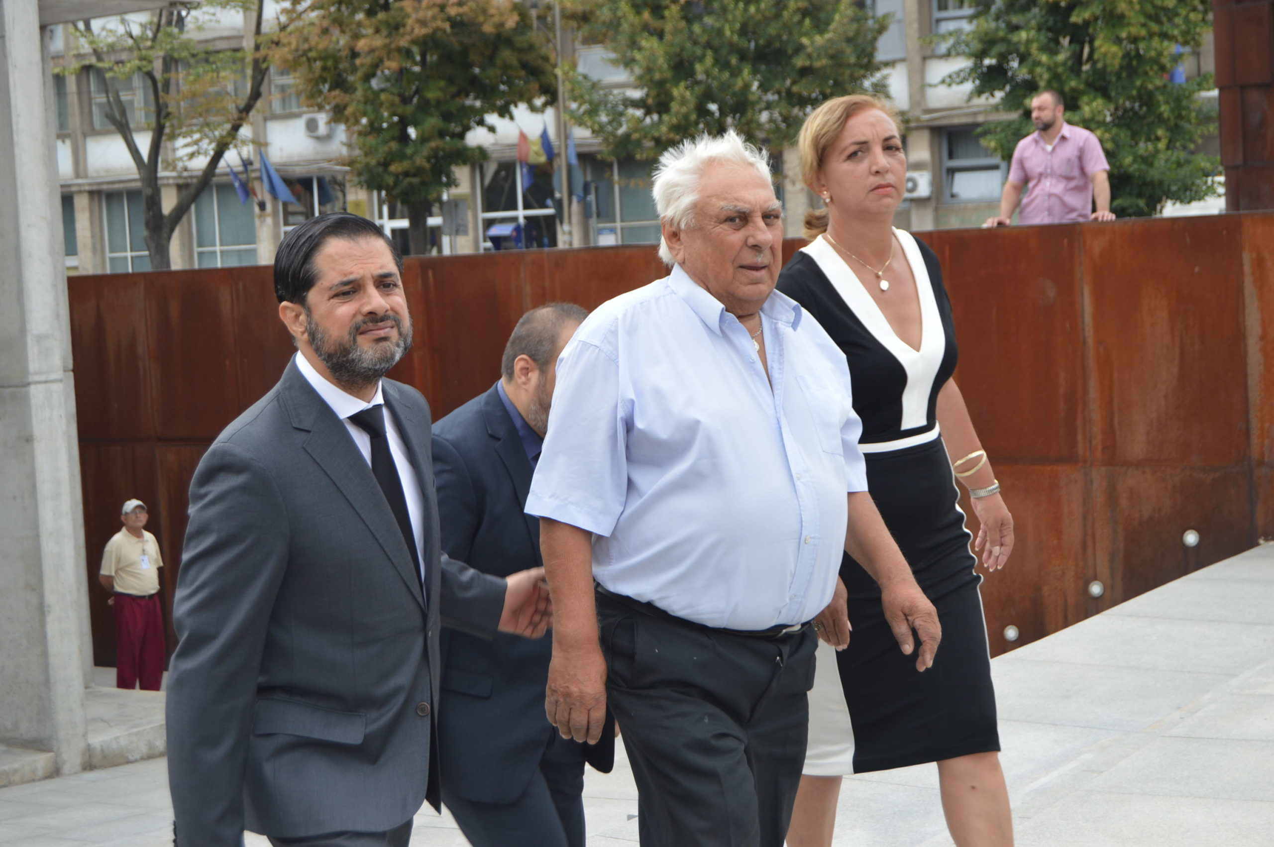 Remembrance event in Bucharest on 2 August 2016; Daniel Vasile (former Member of Parliament), Constantin Braila (Roma survivor), Rozalia-Dana Varga (Roma State Counselor)